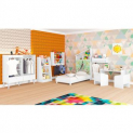 Quarto Infantil Completo Mini Cama Cômoda/Guarda Roupa 1 Mesa 2 Cadeiras Estantes Multiuso 3 Prateleiras Nicho Branco – Art In Móveis